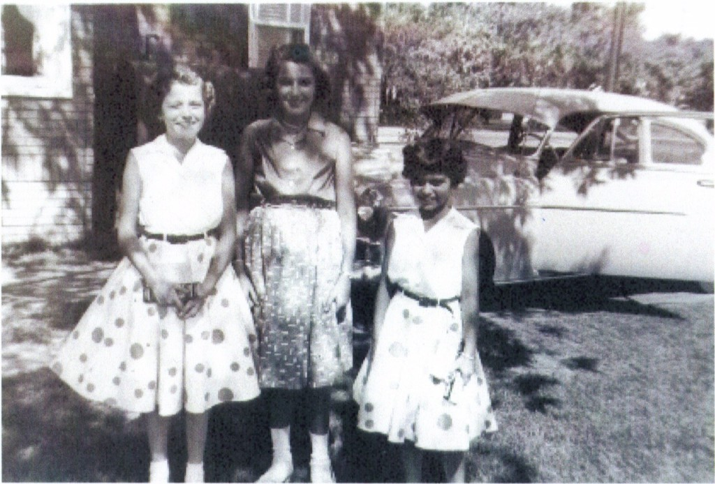 Linda Seger as a child with sister Holly
